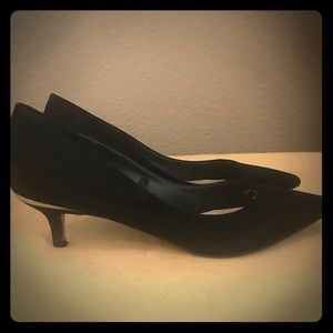 Zara Basic Black Suede Kitten Heel Pumps